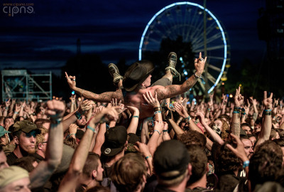 Crowdsurfing - 21 iunie 2015 - Hellfest Open Air, Clisson, France