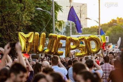10 august 2018 - București, Piața Victoriei, ora 20:03