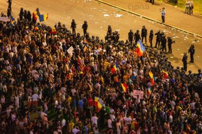 10 august 2018 - București, Piața Victoriei, ora 22:17